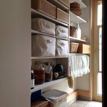 キッチンに欲しいもの それは パントリー 皆さんの素敵な収納術と