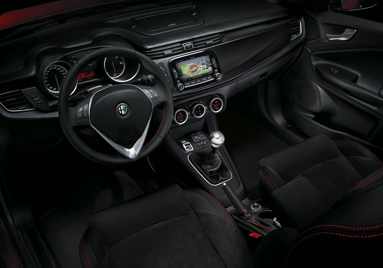 Alfa Romeo Giulietta Sprint interior | Alfa Romeo Giulietta Sprint ...