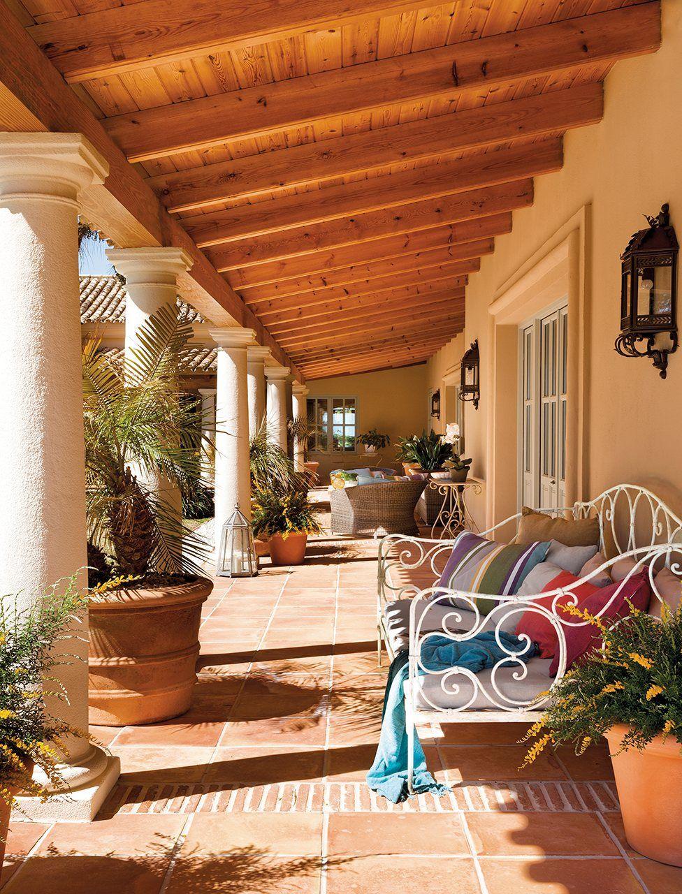 Precioso porche para descansar al atardecer | Terrazas y Jardines ...