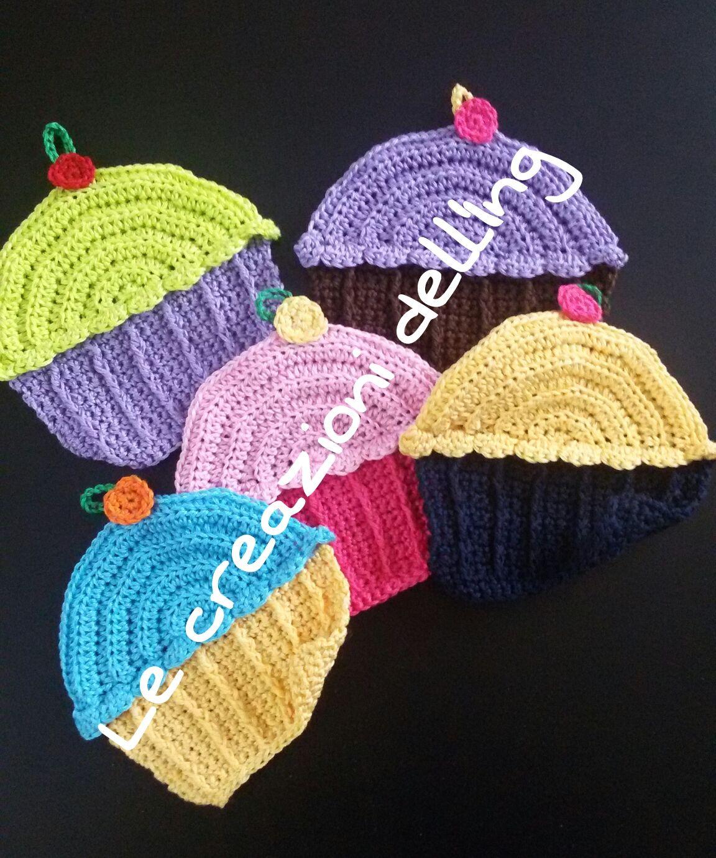 Pattern by Twinkie Chan http://blog.twinkiechan.com/2014/02/15/me-michaels-lily-sugar-n-cream-free-crochet-pattern-for-cupcake-dish-cloths/