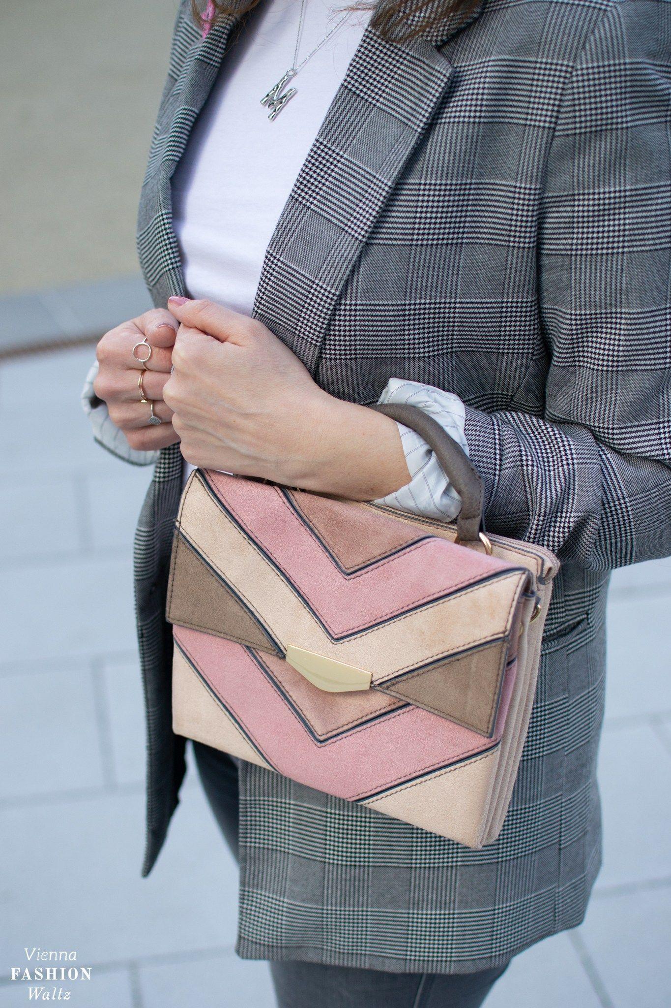 Karo Blazer und trendige rosa Slingbacks | Badass Style