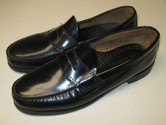2fe3167ee94 Vintage 1980s BASS WEEJUNS 12 D Plack Penny loafer Dress Shoes. Made in USA!