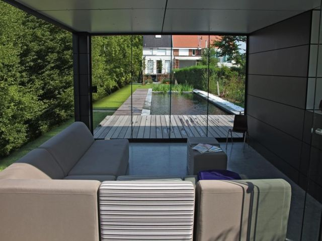 Poolhouse en trespa couleur ext rieur en gris anthracite for Luminaire exterieur ral 7016