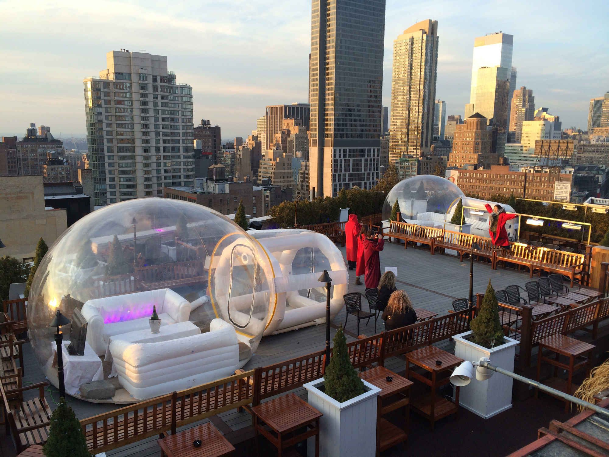 There 39 S A Bar With Rooftop Igloos Now Winter Things Rooftop And Fall Winter