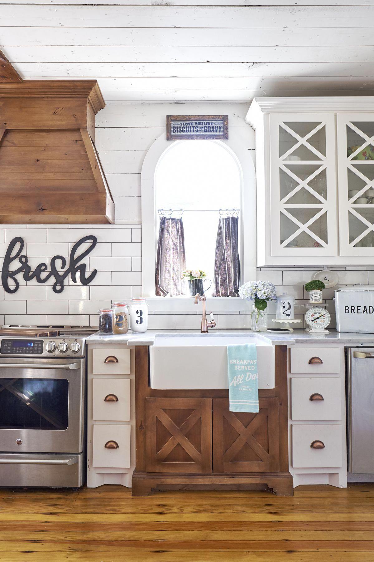 Farmhouse Kitchen Dallas Texas Courtney Warren Home Diyhomeremodeling Kitchen Backsplash Designs Kitchen Renovation Kitchen Style