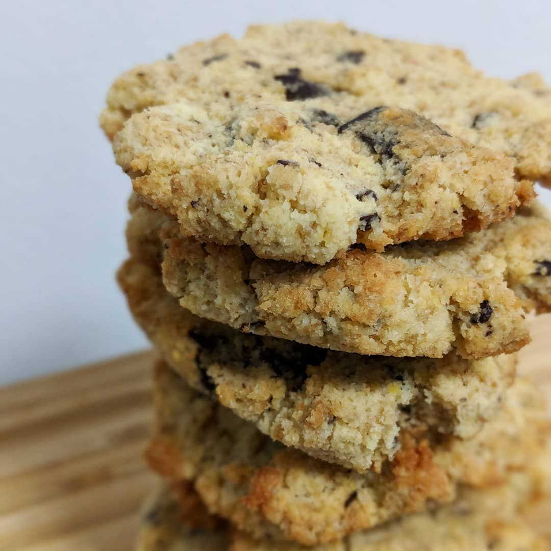 Keto Chocolate Chunk Oatmeal Cookies Nut Free Oatmeal Cookies Keto Oatmeal Dessert Recipies
