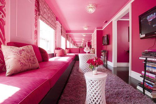 Who wouldn\'t love a pink house? @Cristin\'s Cookies I have always ...