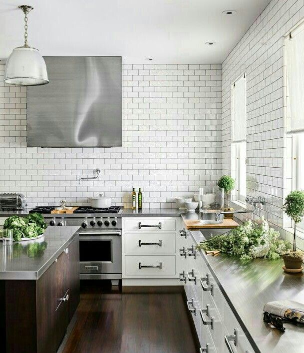 Cucina con isola, senza pensili. | Interior design | Pinterest ...