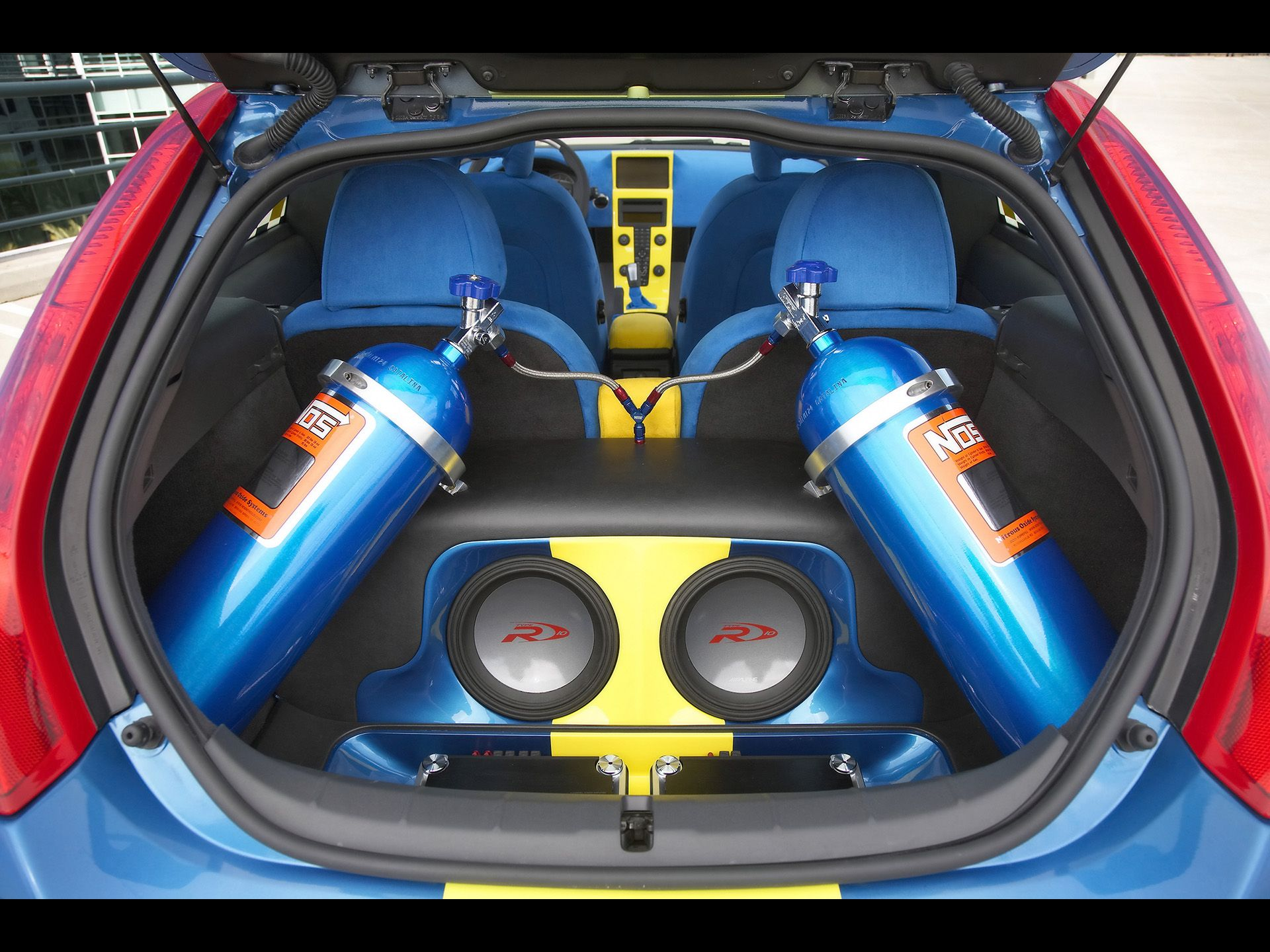 2006 Ipd Volvo C30 Concept Nitrous Oxide Canisters And Custom Stereo System 1920x1440 Wallpaper Car Audio Systems Custom Car Audio Volvo C30