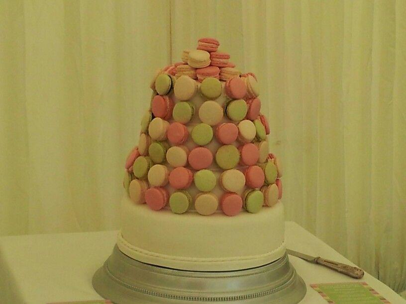 Macaron/macaroon wedding cake