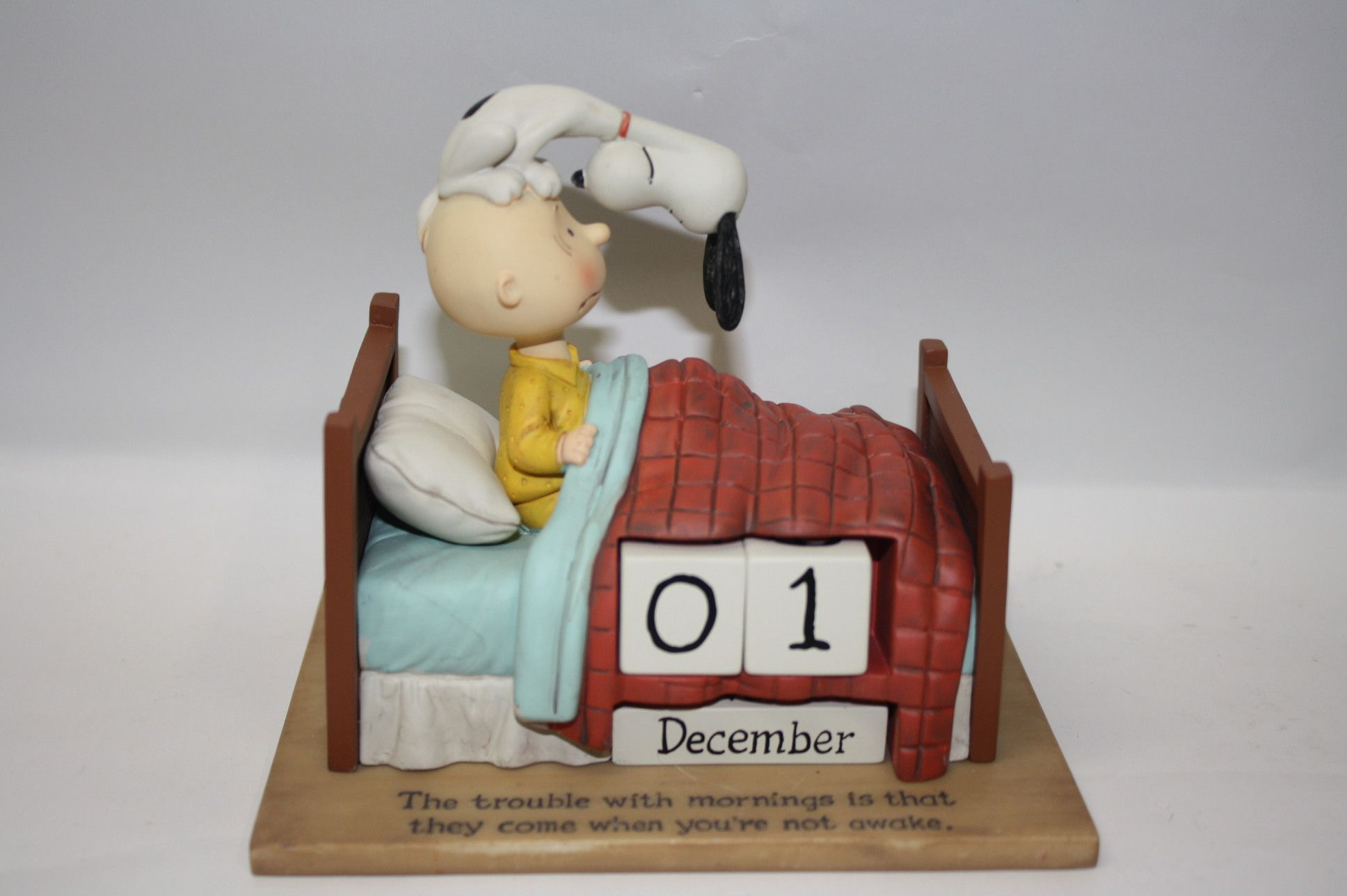 hallmark peanuts collectibles | Hallmark Charlie Brown and Snoopy Perpetual Calendar, 1PAJ4411