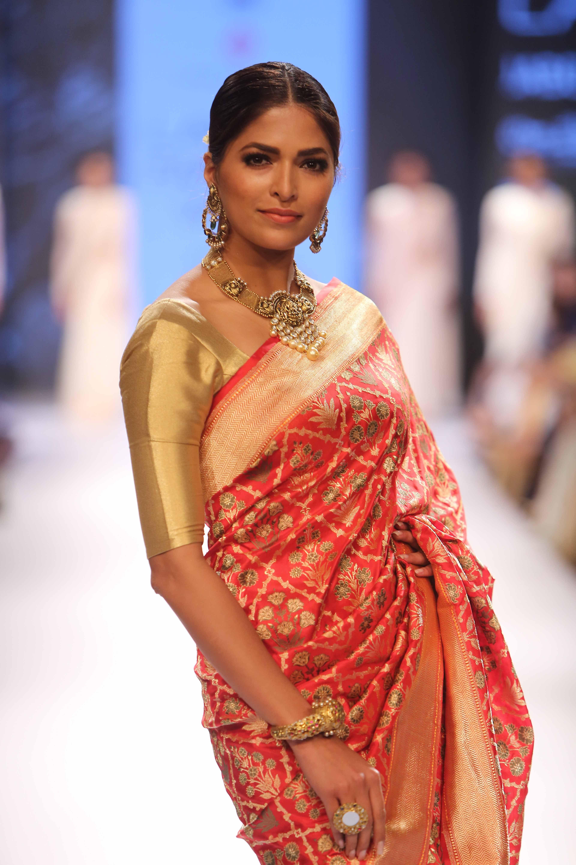 Glimpse of stunning collection by Swati Sunaina at Lakme Fashion