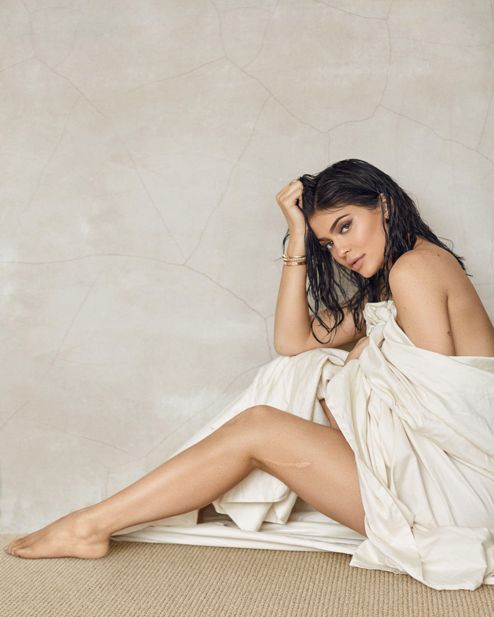 Feet Kylie Jenner Kendall Jenner nudes (34 images), Sideboobs