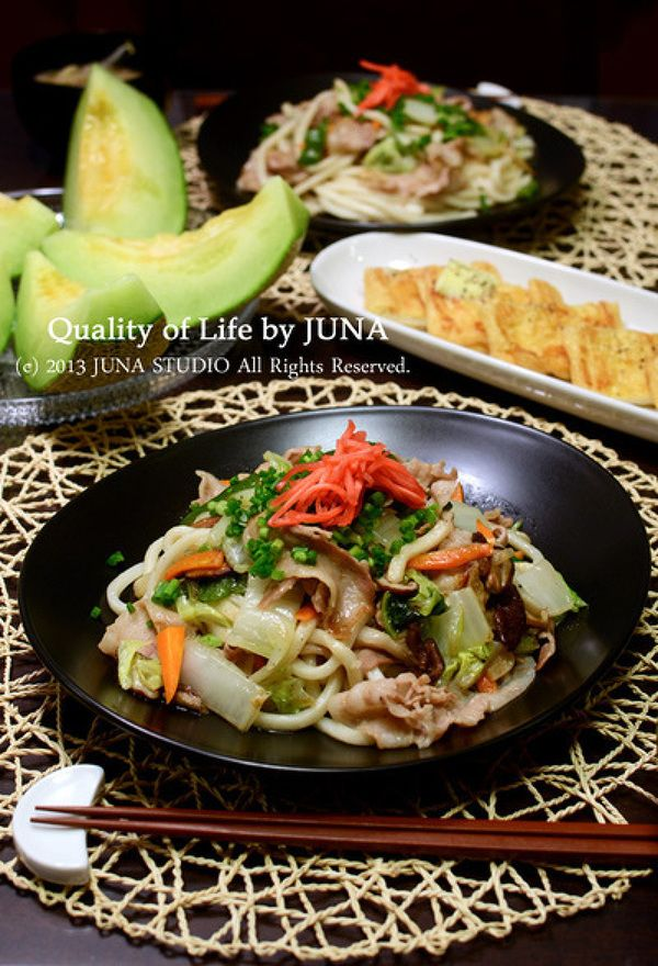 お酢で食べる焼きうどん by JUNA(神田智美)さん / レシピサイト「ナディア / Nadia」/プロの料理を無料で検索