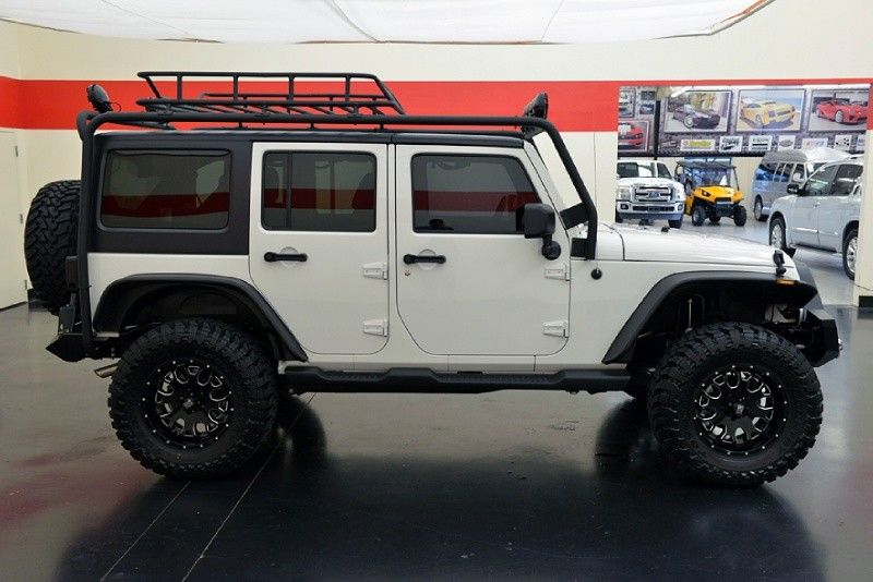 Little Jeep Wrangler Unlimited Roof Rack Thule Contains On ...