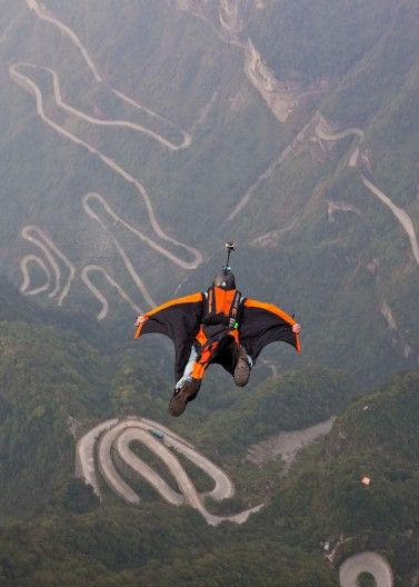 A New Sport Evolves As The World Wingsuit League Begins Extreme Adventure Extreme Sports Base Jumping