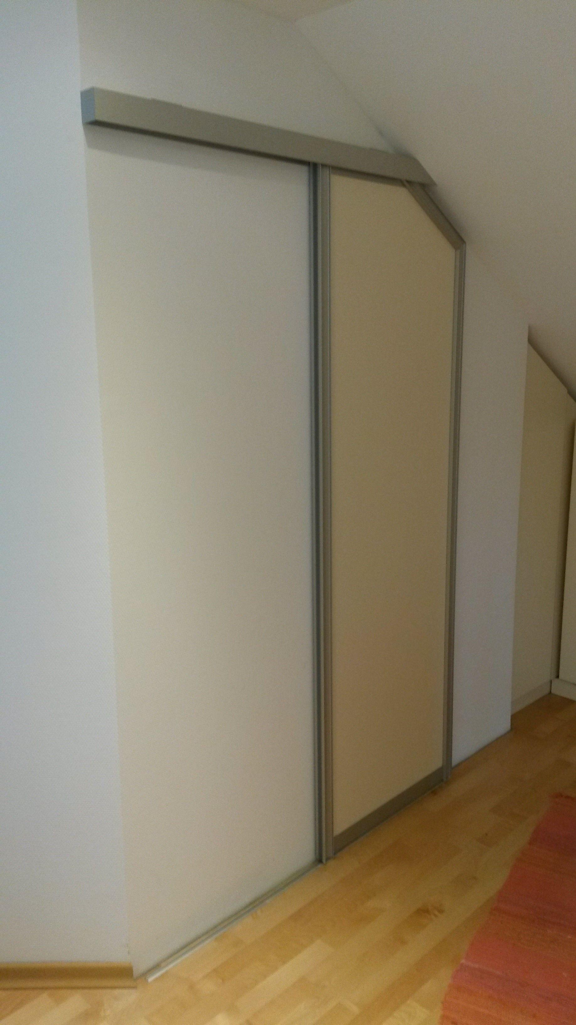 Top Schiebetür mit seitlicher Schräge. | Türen | Dachschräge, Schiebe NJ57