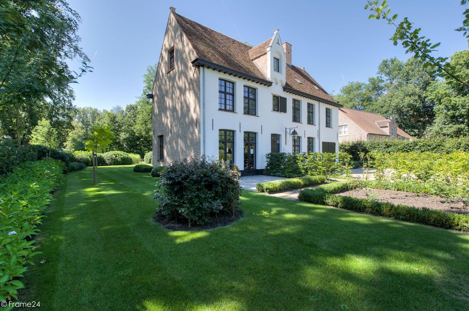 Villabouw vlassak verhulst exclusieve villabouw for Huizen architectuur