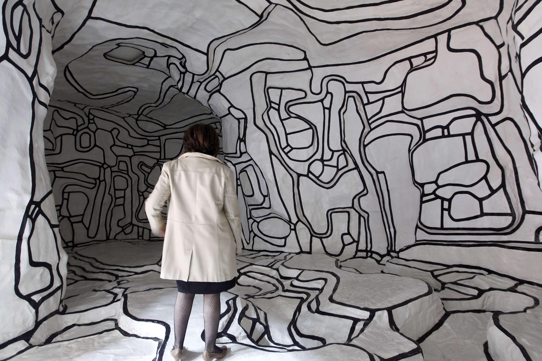 Een Vrouw Bekijkt Le Jardin D Hiver Een Werk Van De Franse