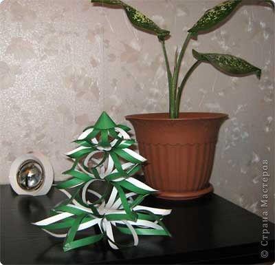Мастер-класс Новый год Бумагопластика МК елка из объемных снежинок Бумага фото 14