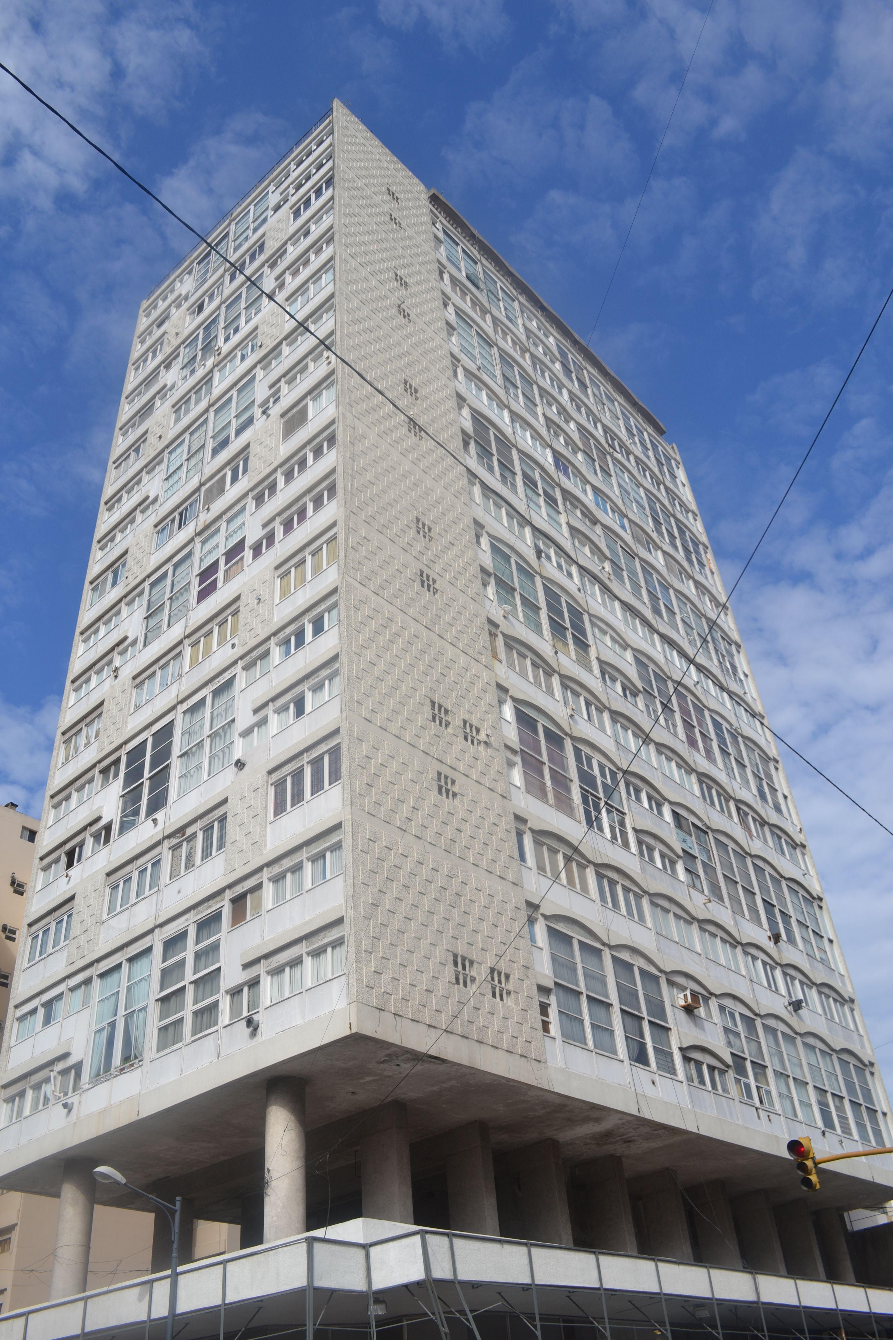 Antonio Bonet Galeria y Rascacielos Rivadavia, Mar del Plata 1957-61 ...