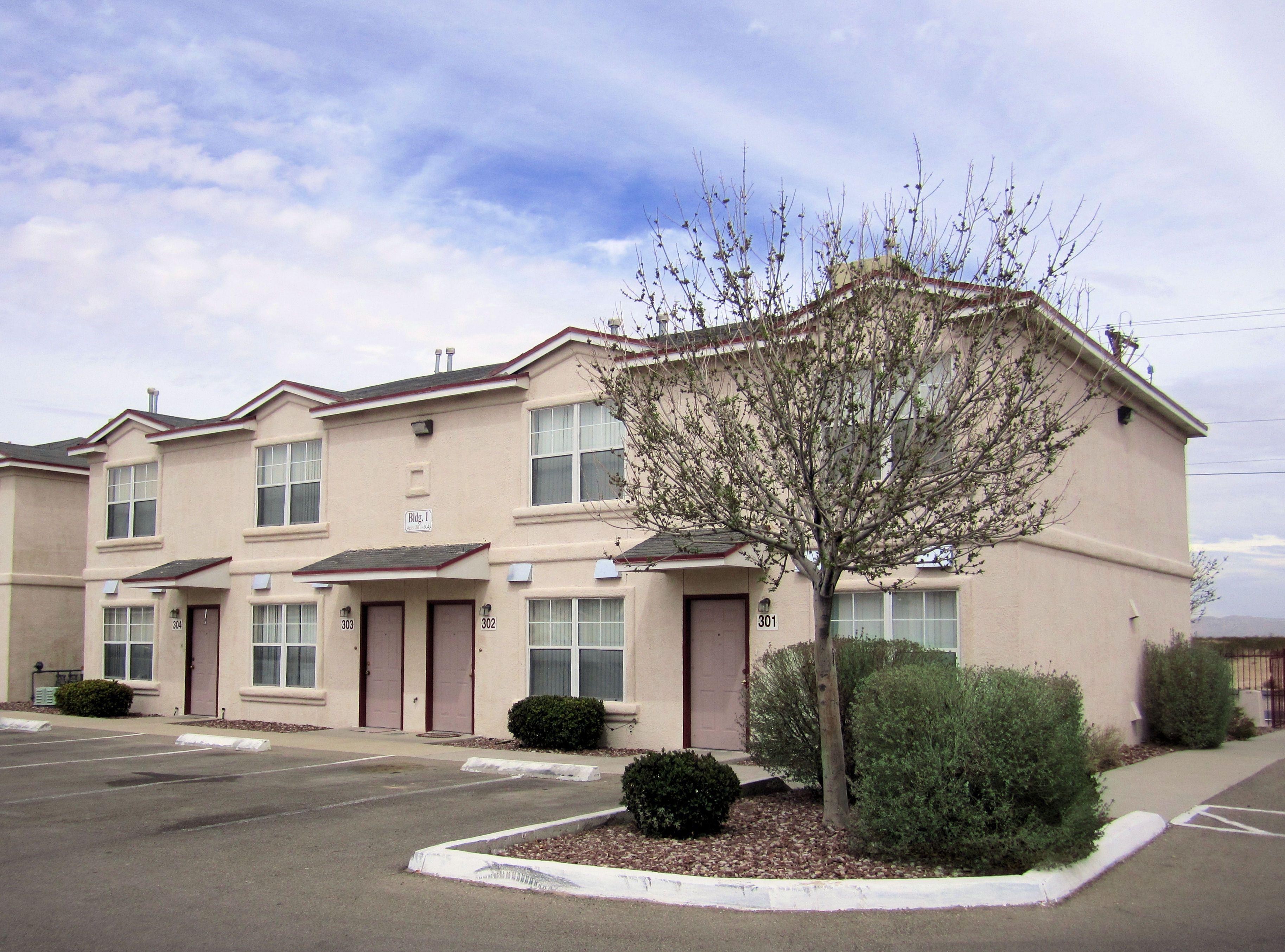 Western Whirlwind Horizon City Tx House Styles Horizon City Mansions