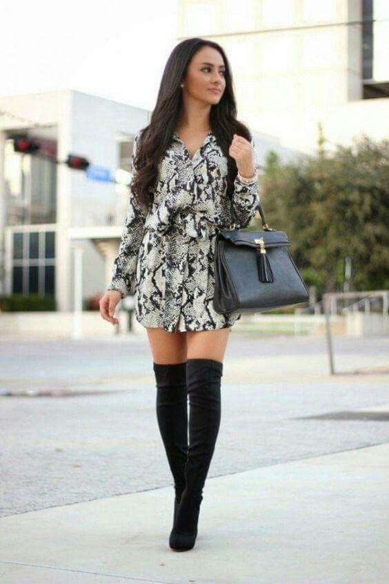 Largas negras | Vestido con botas, Vestido y botas largas y