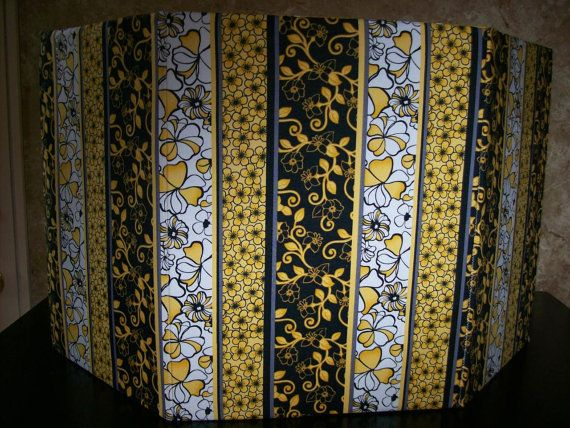 Flowers Bees Privacy Screen For A Litter Box Pee Pads Pet Bed