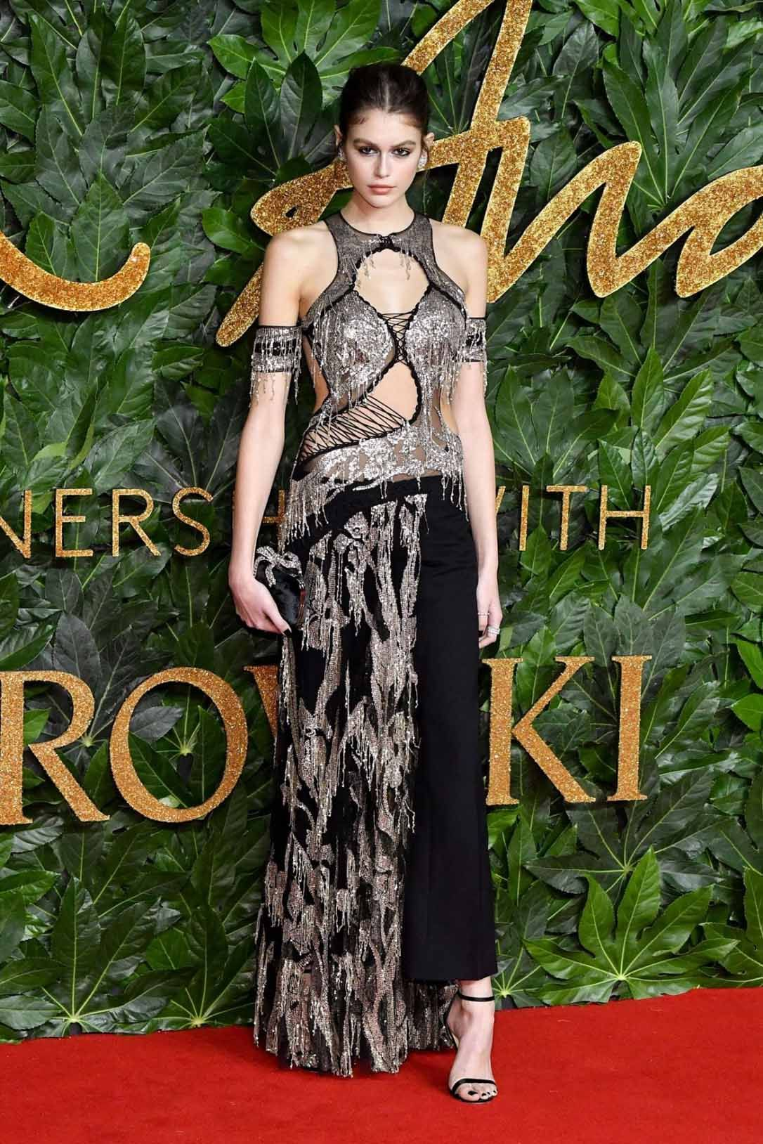 d41b8b52e5c7 Kaia Gerber at The Fashion Awards 2018 | CELEBRITIES RED CARPET in ...