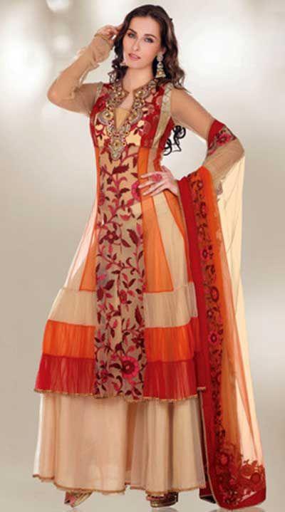 7ad559fa9b NavegaçãoModelos de roupas femininas indianasVestidos indianosRoupas  femininas indianas modernas Em teoria, apenas indianas poderiam usar roupas  femininas ...