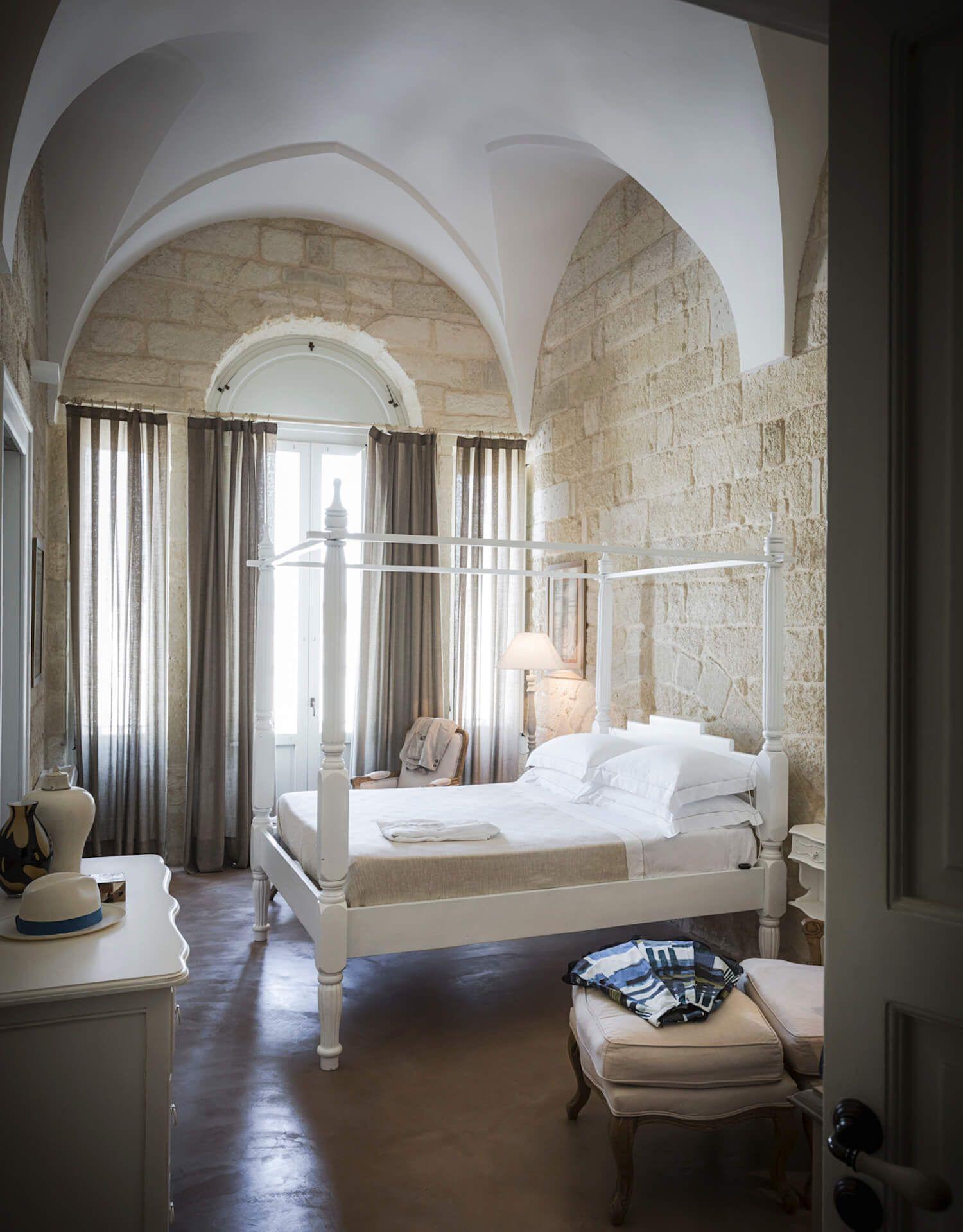 dimora bedroom set%0A Don Totu Dimora Storica  An   th Century Palazzo B u    B in San Cassiano  Italy