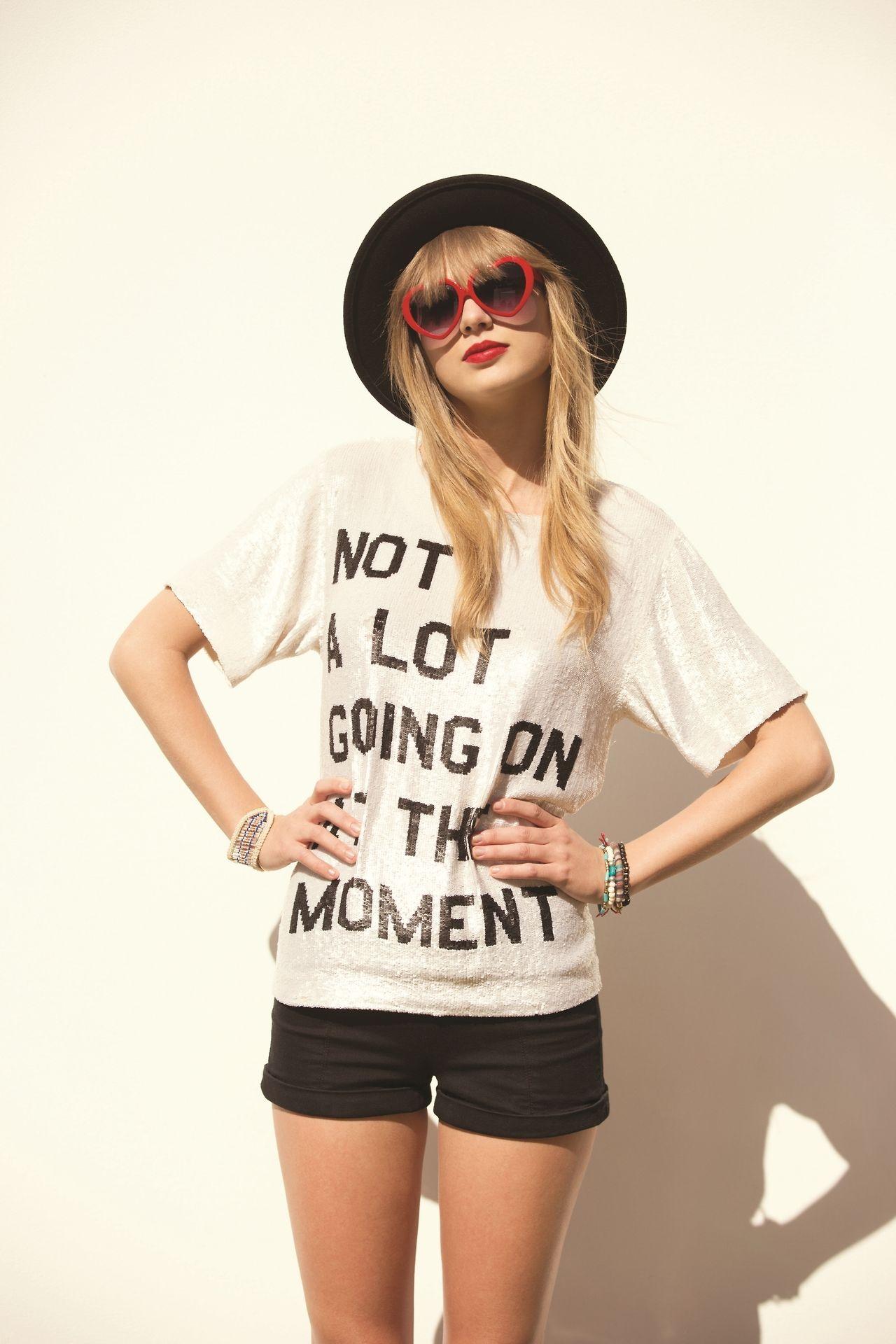 Resultado de imagem para t shirt outfit taylor swift