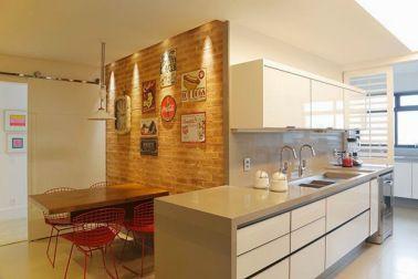 qauarto de casal com parede de tijolos com junta seca | Espaço Casa