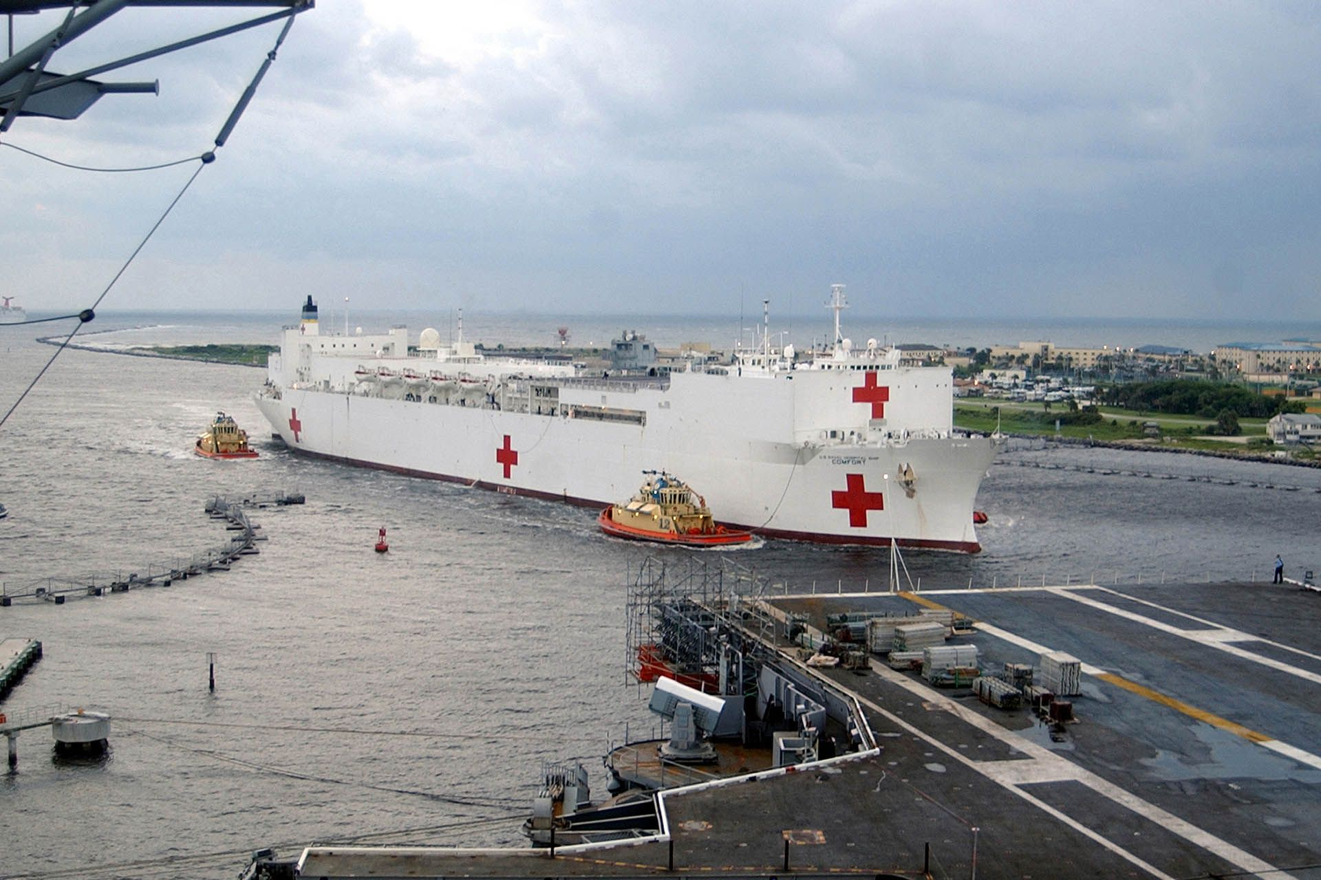 Meet The Usns Comfort Navy Hospital Ship That Has Treated Thousands Around The World United States Navy Ships Around The Worlds World