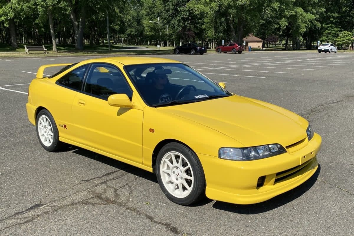 Time For Throwbackthursday With A 2000 Acura Integra Type R Tbt Acura Integra Integra Type R Acura