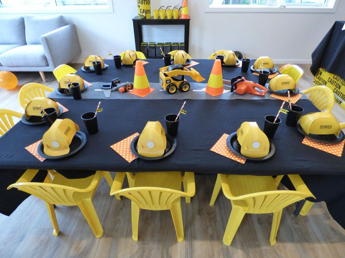 Construction party kids table
