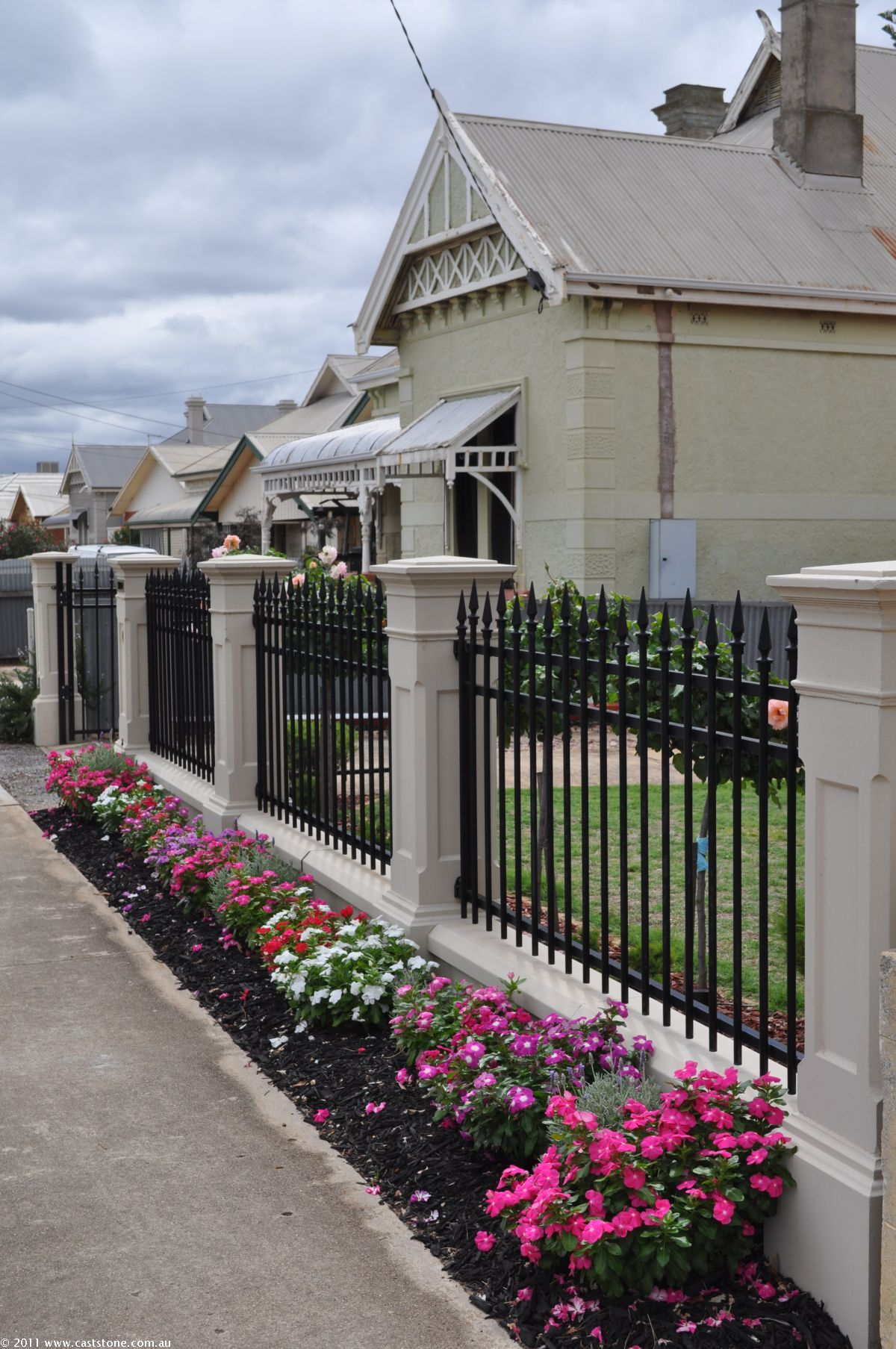 Caststone Sandstone Products Photowall Garden Fence