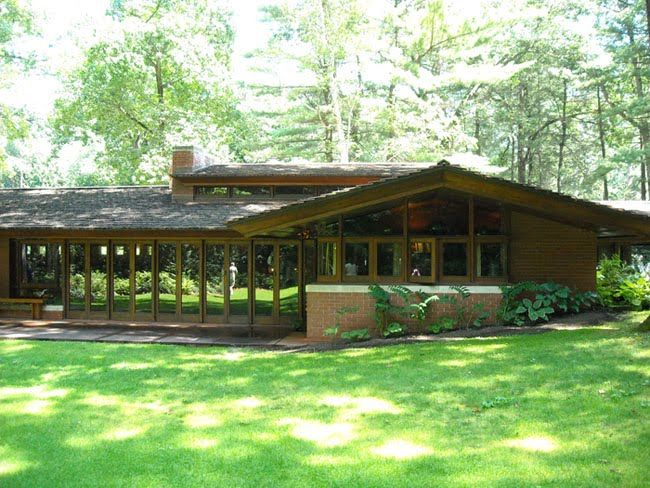 The Zimmerman House Was Built By Frank Lloyd Wright In 1950 For A Doctor And His House House Styles House Design