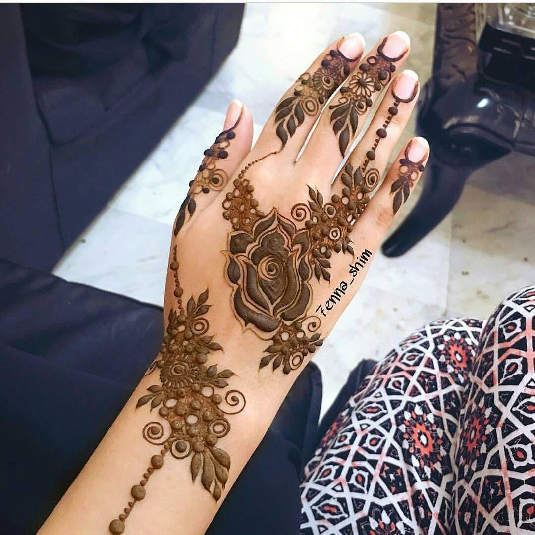 الله یسعدمن حط لایک اكتب شی تؤجر علیه 7enna Shim بنات عندها مسابقات اسبوعية جو Unique Mehndi Designs Beautiful Henna Designs Bridal Mehendi Designs Hands