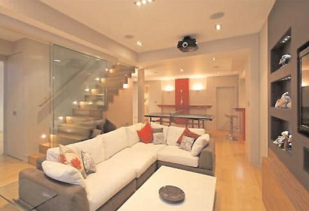 Lighting Basement Washroom Stairs: Beautiful And Modern Basement