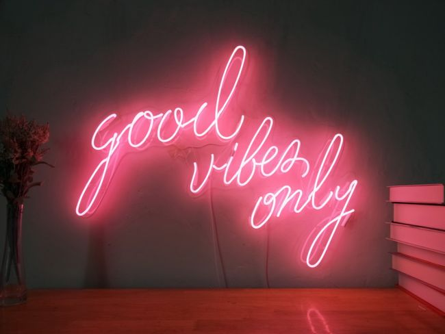 Good Vibes Only Custom Dimmable Led Neon Signs For Wall Decor Customization Options Color Size Dimming Wall Mounted Desktop Type Hanging In A Window Ceil In 2020 Neon Sign Bedroom Neon Signs