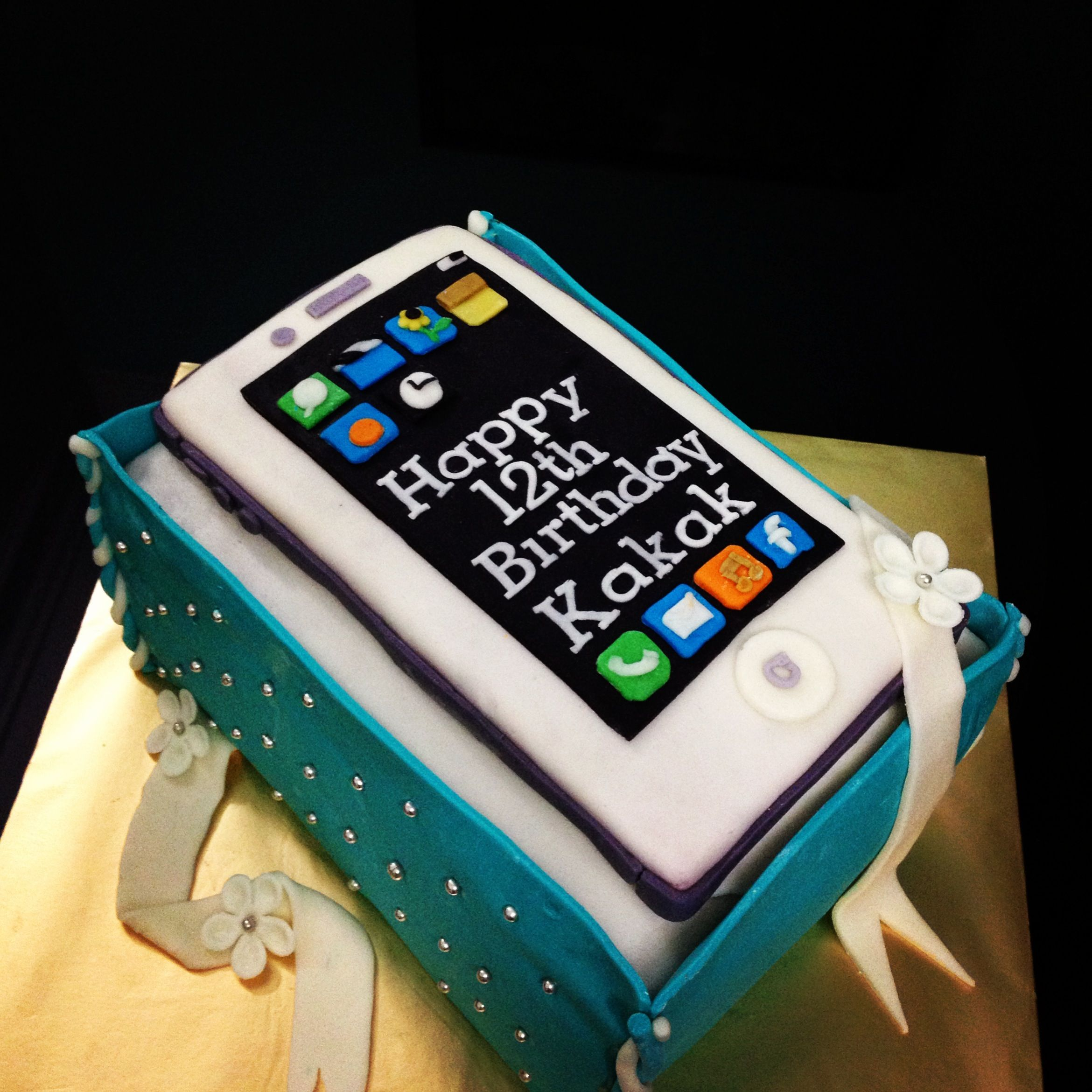 Iphone 5 cake Cake Chapter Pinterest Cake and Birthday cakes