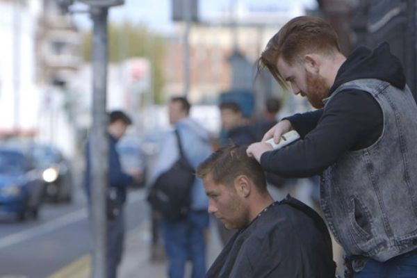 Give Back Whether Your A Hairdresser Offering Free Haircuts To The Homeless Or A Beauty Salon Giving Free Foot Massages T Kind Heart Homeless Homeless People