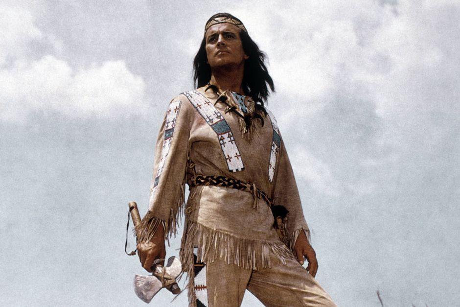 Es war die Rolle seines Lebens – Winnetou. Pierre Brice spielte den Apachenhäuptling von 1962 - 1968 in insgesamt elf Filmen (undatierte Aufnahme). (Bild: Imago)
