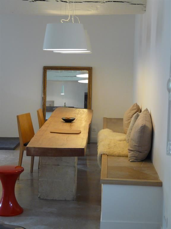 Idea for a big dining table and narrow spaces idée pour une grande