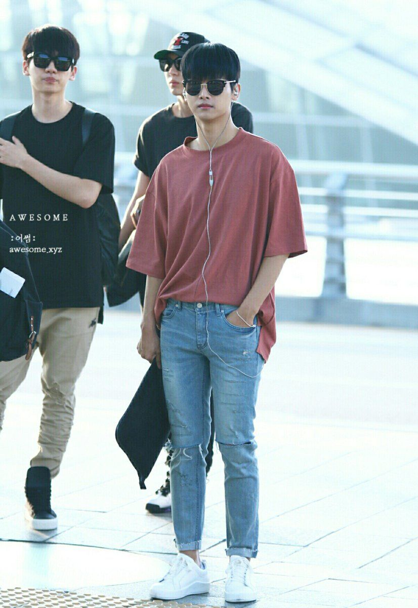 Hyuk E N Vixx Kpop Fashion Male Kpop Fashion Men Korean Airport Fashion