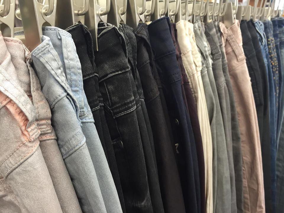Wie soll man sich bei so vielen schönen Hosen entscheiden?  www.gluecksstern.de  #GSgluecksstern #mode #frauen #glück #fashion #style #knopf #modelabel #love #like #pinterest