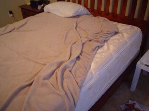 how to keep sheets from coming off