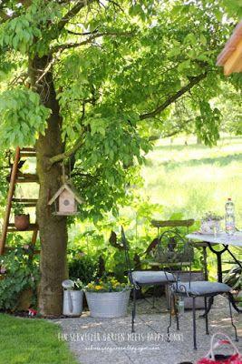 gartenbesuch bei happy sonne ein schweizer garten teich gartenhaus romantische sitzpl tze. Black Bedroom Furniture Sets. Home Design Ideas