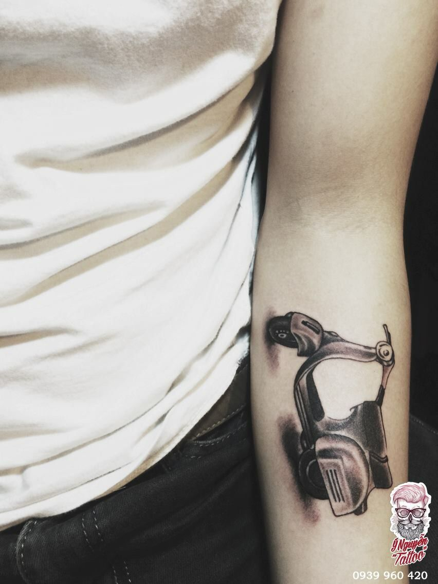 Vespa Tattoo Ynguyentattoo Tattoos Picture Tattoos Vespa